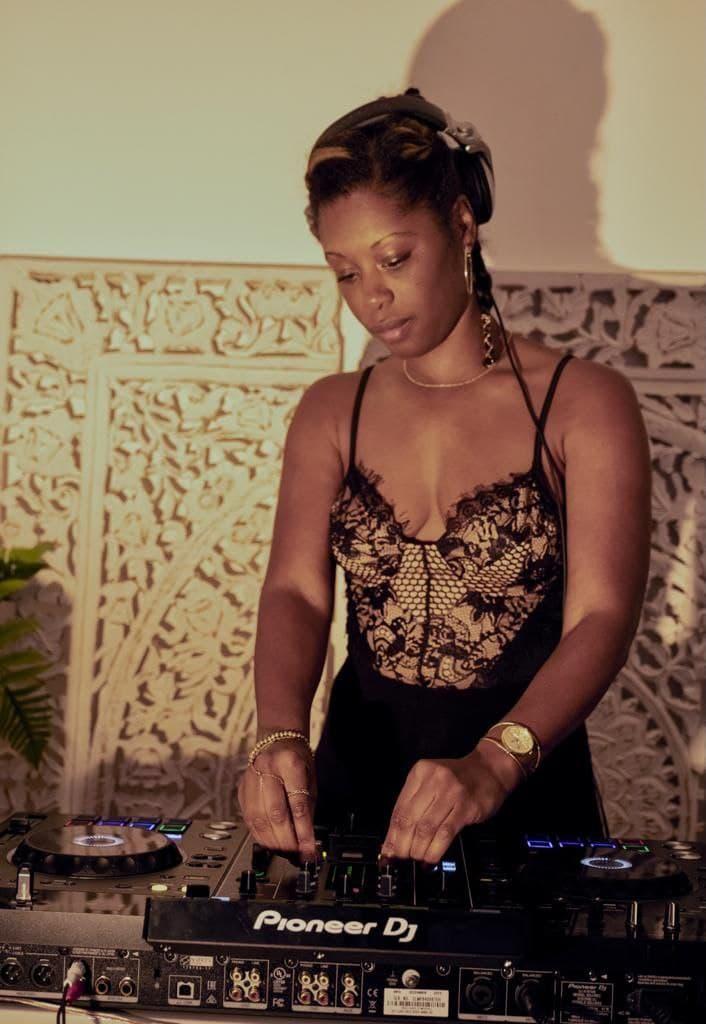 FARRAH DJ